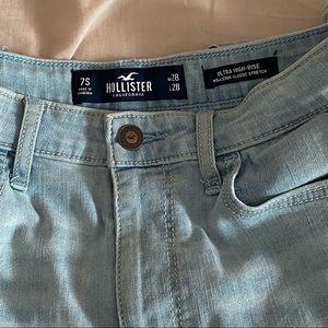 Hollister lights blue Jeans